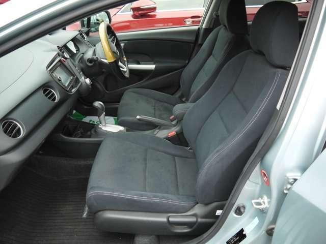 最近の車はコンピュータ制御の車がほとんどとなっています。不具合箇所を見つけるために必要な診断機をダイハツ専用・スズキ専用・汎用・輸入車用と準備しており、大半の車両は診断が可能です。