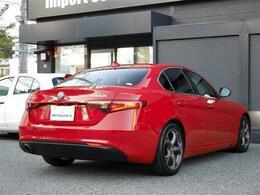 駐車時や後退時に安心・安全の装備「バックカメラ&クリアランスソナー」が、運転をサポート致します!