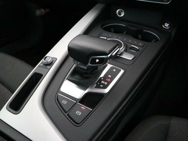 AUDI MMIシステム …ダイヤルとスイッチによる簡単で直感的な操作でナビゲーション設定やエンターテイメント・車両設定が可能です。