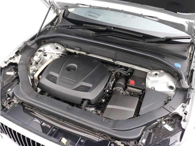 直噴ガソリンターボエンジンは、高速道路でも市街地でも、あなたの意思に即座に応えるレスポンスを備えています。