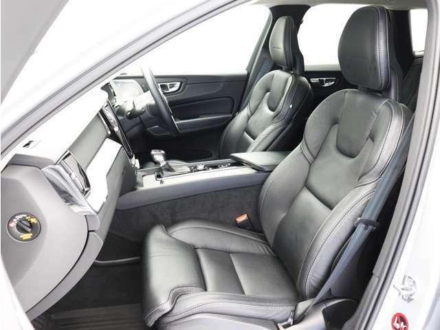 前席には8ウェイの電動調整機能、4ウェイの電動ランバーサポート、電動クッション・エクステンションをはじめ、ベンチレーション機能やマッサージ機能も装備。ロングドライブでも快適にお過ごしいただけます。