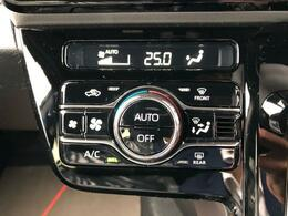 ◇オートエアコン 見やすい液晶表示で、お好みの温度を簡単に設定可能です。