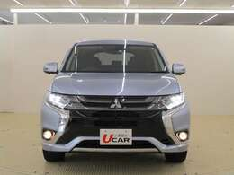 LEDヘッドライトとフォグランプが付いて暗い夜道も安心です。 V2H対応 電気自動車ベースのハイブリッド