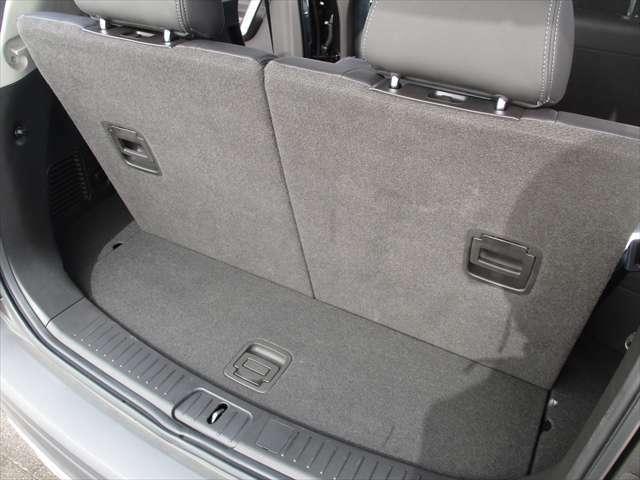 サードシート使用時のトランクスペース