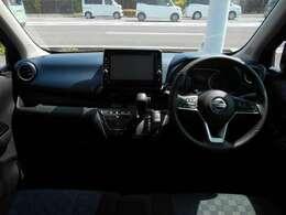 とてもおしゃれな車内インテリアです!