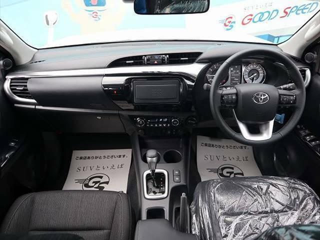 本格SUVハイラックのインテリアはシンプルに使いやすく配置されたつくりになっております。また、ハイラックスならではの視野の良さは是非一度体感して頂きたいです☆
