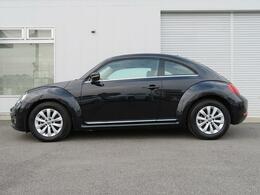 The Beetleの個性的なフォルムが軽快で楽しいドライブを予感させます♪