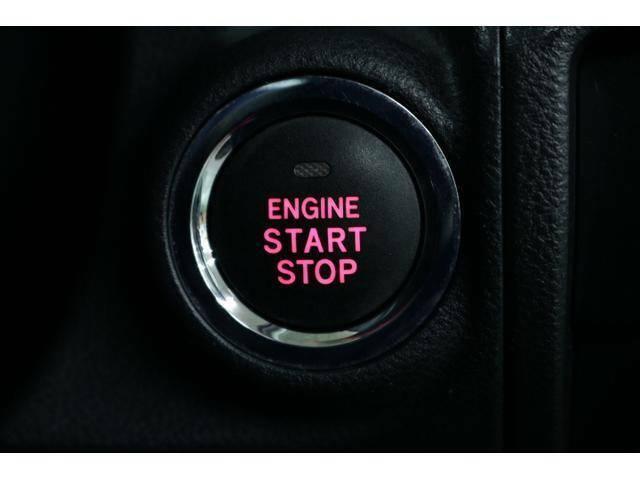 キーレスアクセス&プッシュスタート装備★エンジン始動時やドアの施錠・解錠がワンタッチでできて便利です