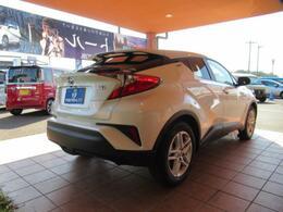 販売スタッフは全員中古自動車販売士!安心して購入いただくために研修や試験・認定を受けております。