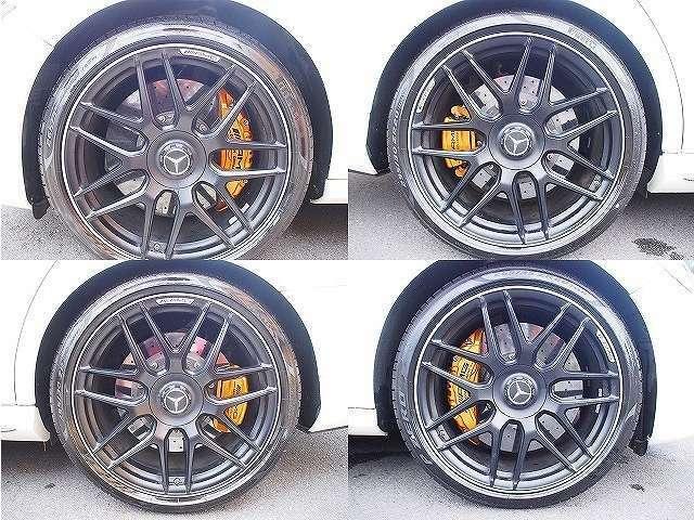 オプション鍛造20インチホイール!タイヤも新品です。