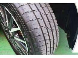 タイヤの溝もしっかりしてます。