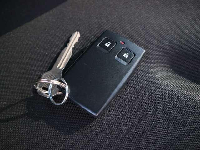 鍵はバックやポケットに入れたままでOK♪便利なスマートキー付き!