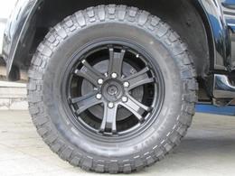 社外17インチアルミにマッドタイヤの組み合わせ!