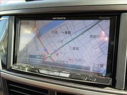 HDDナビ搭載でロングドライブも快適です。