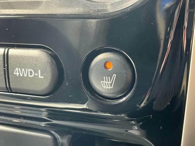 【シートヒーター】冬場はエアコンの温度設定を低めにでき、身体の芯からポカポカになります。