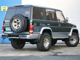4WD感溢れる背面タイヤ付きの車輛となります!
