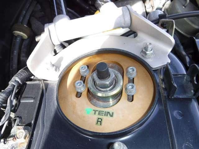 TEIN車高調整ですが抜け気味で交換が必要ですね。