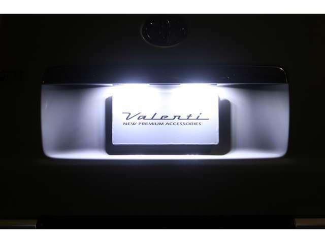 Aプラン画像:純白の明かりで夜間の愛車をおしゃれに演出します(^^)