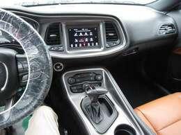 高年式の為ボディは大変綺麗に保たれております。チャレンジャーのエントリーモデルだけあって人気な車種の1台です。