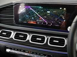 マルチビームLEDヘッドライト(ウルトラハイビーム付)、アダプティブハイビームアシスト・プラス、Mercedes-Benzロゴ付ブレーキキャリパー、ドリルベンチレーテッドディスク(フロント)