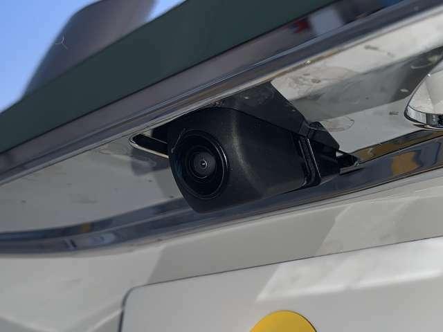 【バックカメラ】後方の安全確認ができます。駐車が苦手な方にもオススメな便利機能です。
