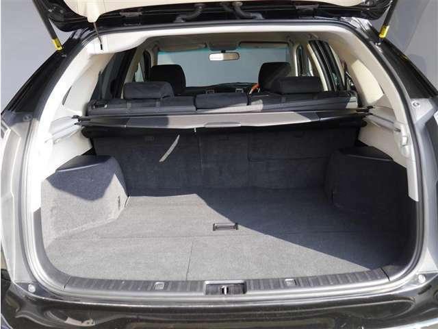 【ラゲージルーム】ご覧下さいラゲージルームはこんなに広々です!大きめの荷物も簡単に積めます!