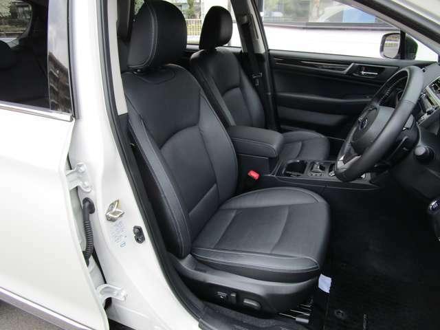 フロント左右電動シート 運転席シートメモリー&ランバーサポート