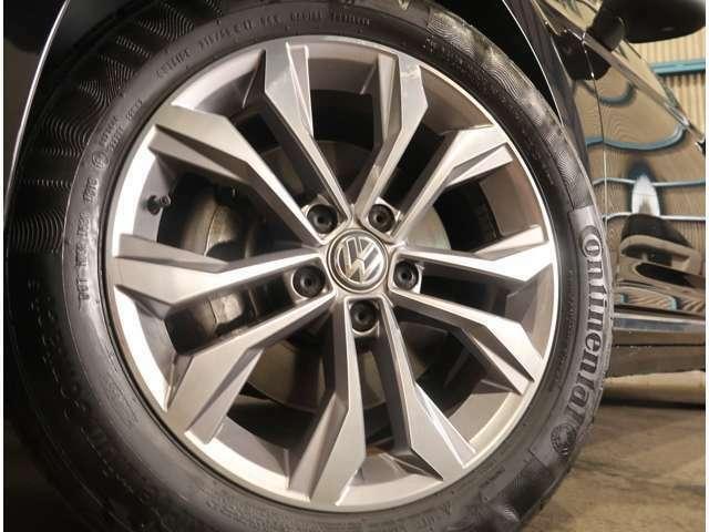 ●純正17インチアルミ!新品タイヤ&アルミの販売も致しております!車もおしゃれは足元からですね♪