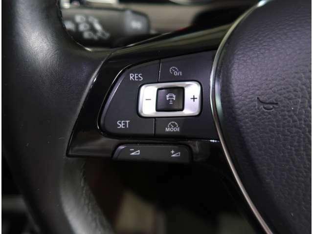 ●【レーダークルーズコントロール】 高速道路で、0km/h~100km/hの広い車速域で先行車に追従走行。アクセルやブレーキ操作のわずらわしさを軽減し、快適で安全なロングドライブを提供します。