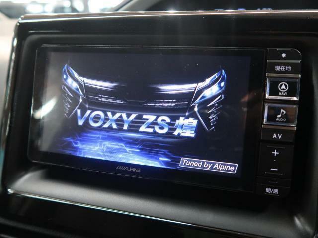 ★【ALPINEナビ】使いやすいナビで目的地までしっかり案内してくれます。CD/DVDの再生もでき、画質も綺麗でお車の運転がさらに楽しくなります。