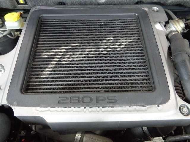Turboと280PSのロゴがその気にさせます!
