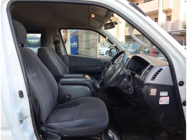 ★今、お乗りのお車の車検が切れちゃう!なんて方には代車も無料で貸し出し可能です★車がなくなると困るという方結構多いんですよね★ご用意はしてありますが貸し出し中もございますのでご確認下さい★