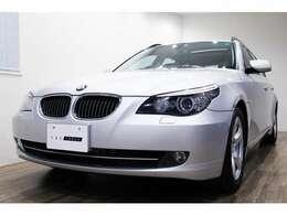 正規ディーラー車 BMW 525iツーリング 右ハンドル チタンシルバーメタリック/ブラックレザー