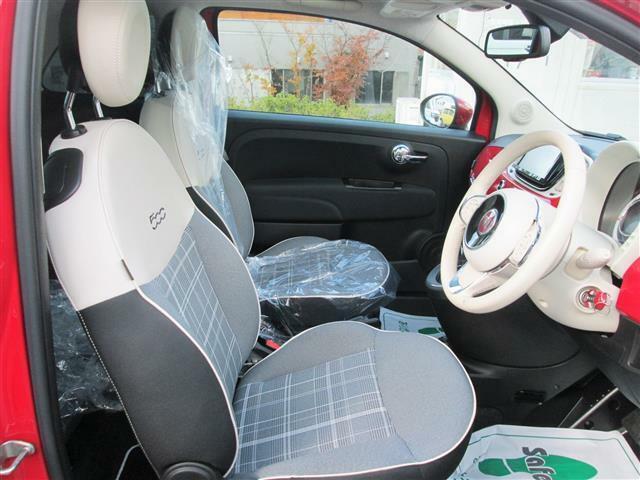 ◎運転席はゆったりスペースですね!!