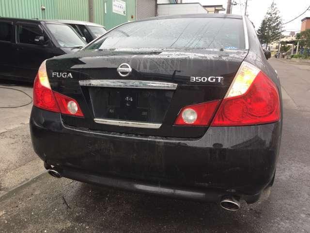 当社のお車は外装など目立つ傷などは板金・塗装済みです!このまま乗って頂ける状態に内外装綺麗な状態で展示していますのでご安心下さい!!