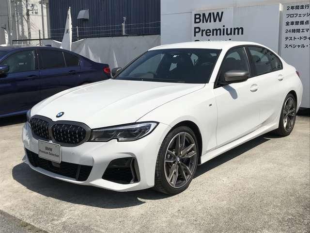 時代を超える美しさ。磨き抜かれたエアロダイナミクスが瞳を奪う。一目で伝わるスポーティーなプロポーションは、BMWの走行性能を生み出すのに欠かせない要因の一つです。