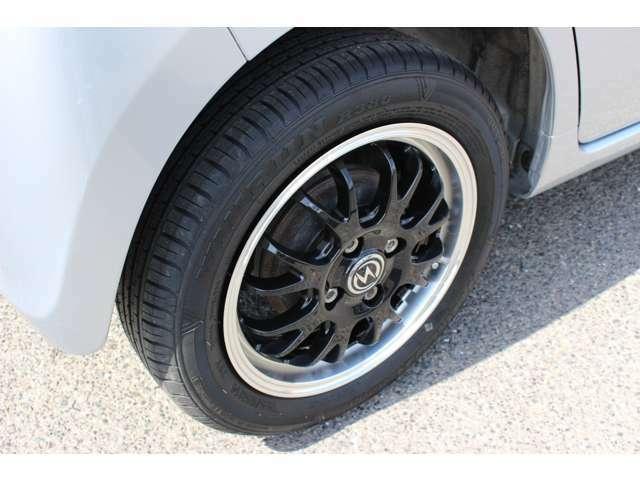 タイヤも新品です