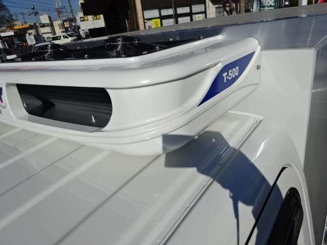 コンデンサーはルーフトップ型で空気を効率よく取り込みます!