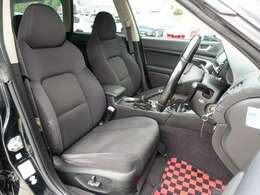 運転席は電動にて調整可能なパワーシート装備。人気のBRIDE製やRECARO製などのスポーツシートもお得な金額にてお取り付け可能です。お気軽に047-492-4000までお問い合わせ下さいませ。