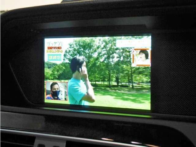 ●純正HDDナビを装備しており、フルセグTVやDVDビデオの視聴はもちろん、音楽ソースではHDD音楽サーバー、bluetoothに対応しております♪更にバックカメラ&前後センサー付きで安心のお車です♪