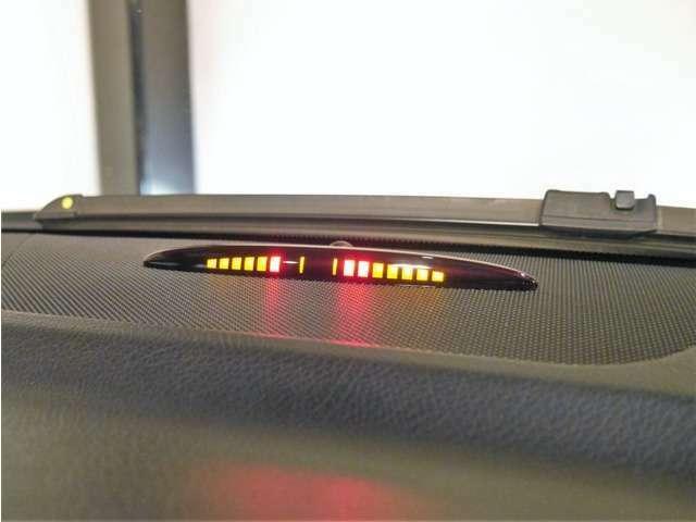 Aプラン画像:●前後バンパーには障害物センサーを装備し、障害物が接近するとドライバーへ危険を伝えてくれる安心のアイテムとなります♪