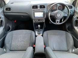 2012yモデル/LEDポジション付キセノンヘッドライト/フロントフォグ/15AW/専用シート/アームレスト/純正ナビ(フルセグ/Bluetooth/DVD/CD)ETC/リアパーキングセンサー/LEDウィンカー付電動格納ミラー