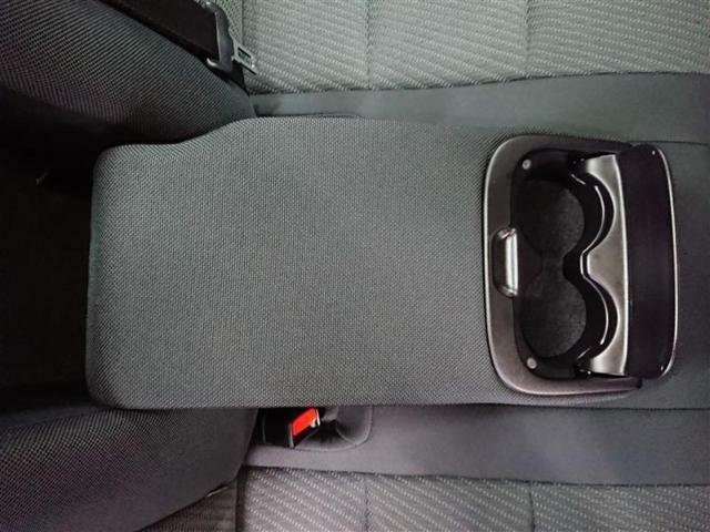 ●3つの安心をセットにした「T-Value」。トヨタ認定の検査員がしっかりチェックしているから安心、室内までしっかりクリーニングしているから清潔、全国で修理が受けられるロングラン保証も1年間走行距離無