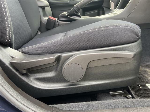 広々使えるフロントシートで快適ドライブ♪