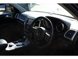 現代的で洗練された高級感ある内装デザイン 4WDとしても非常に高い運動性能を発揮いたします