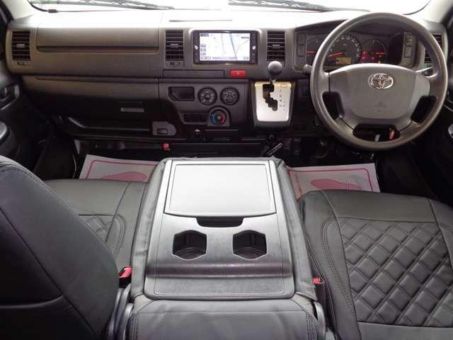 前後ドライブレコーダー!黒革調シートカバー・リアシートベルト!クリーニング済みの綺麗な運転席!気持ち良くお乗り頂けます!エアバック・ABS・左右パワーウインドウ・キーレス・助手席フルリクライニング!