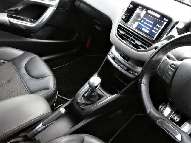 最新式ナビ・地デジTV・ドライブレコーダー等も取り扱いございます!ご質問など詳しくは専門のスタッフにお気軽にご相談下さい!全国販売・納車も格安承ります!まずはお気軽にお問い合わせください!