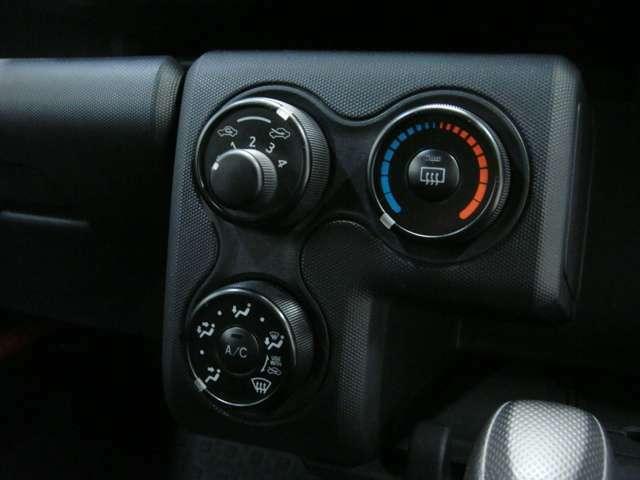 エアコンも装備されておりますので、暑い夏場でも快適に過ごせます!!