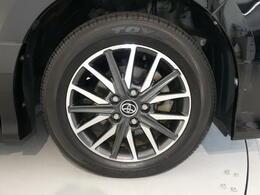 【タイヤ2本新品】・・・納車前整備時に2本新品に交換します。消耗品ですが高価なのがこのタイヤ・・・!このクルマ、お得ですよ♪