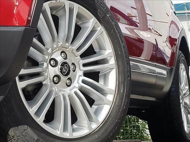 【純正アルミホイール】はサイズやデザインがその車専用で作られており、トータルバランスが◎、かつ丈夫になっています。